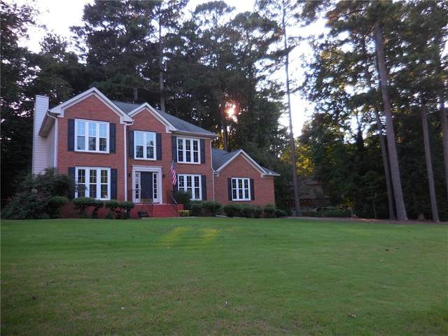 240 Shore Drive, Suwanee, GA 30024 (MLS #6800585) :: Kennesaw Life Real Estate