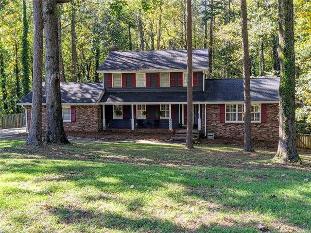 2000 Fairgreen Drive, Stone Mountain, GA 30087 (MLS #6804875) :: North Atlanta Home Team