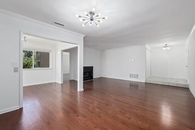 30 Dunwoody Springs Drive, Sandy Springs, GA 30328 (MLS #6808220) :: 515 Life Real Estate Company