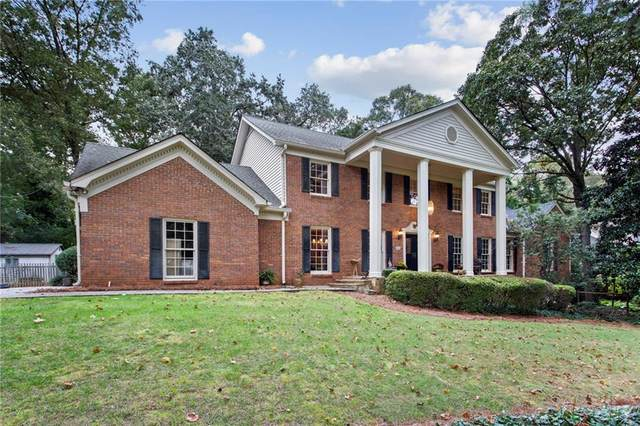 7900 Innsbruck Drive, Sandy Springs, GA 30350 (MLS #6810123) :: The Realty Queen & Team