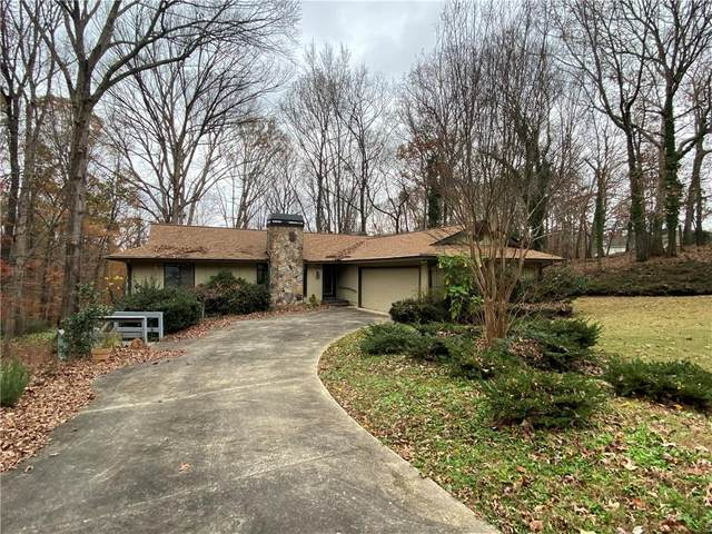 1466 West Lake Drive, Gainesville, GA 30501 (MLS #6811082) :: The Heyl Group at Keller Williams