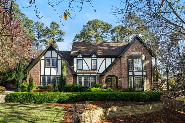7765 Dunvegan Close, Sandy Springs, GA 30350 (MLS #6813828) :: The Gurley Team