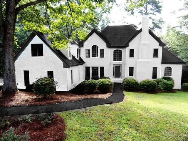 110 Addison Court, Roswell, GA 30075 (MLS #6822612) :: North Atlanta Home Team