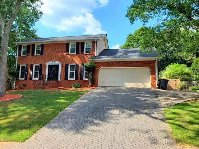 2875 Forest Highlands Drive, Marietta, GA 30062 (MLS #6823170) :: Path & Post Real Estate
