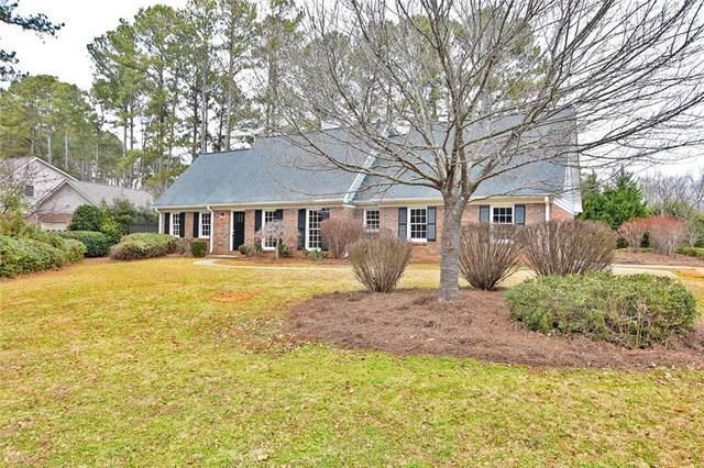3820 W Cooper Lake Drive SE, Smyrna, GA 30082 (MLS #6825438) :: North Atlanta Home Team