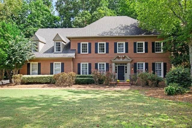5325 Brooke Farm Drive, Dunwoody, GA 30338 (MLS #6827481) :: Path & Post Real Estate
