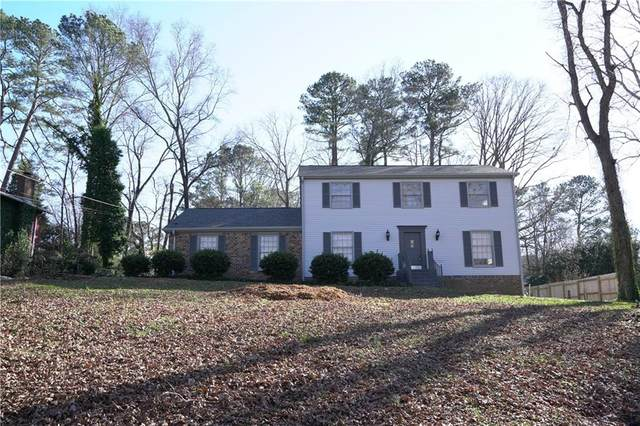 1967 Tanglewood Drive, Snellville, GA 30078 (MLS #6828863) :: North Atlanta Home Team