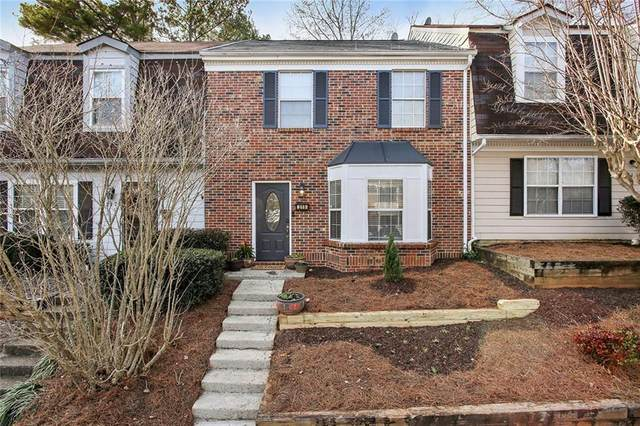 215 Quail Run, Roswell, GA 30076 (MLS #6831075) :: North Atlanta Home Team