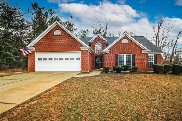 6187 Glen Oak Drive, Flowery Branch, GA 30542 (MLS #6835144) :: Tonda Booker Real Estate Sales