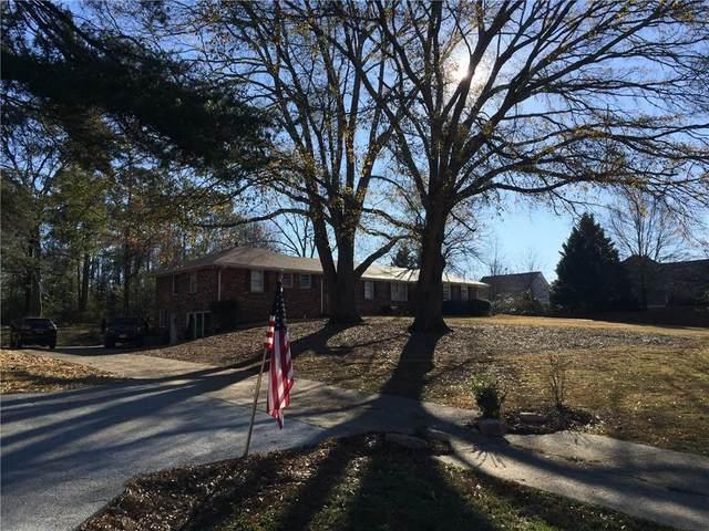10901 Crabapple Road, Roswell, GA 30075 (MLS #6837847) :: North Atlanta Home Team