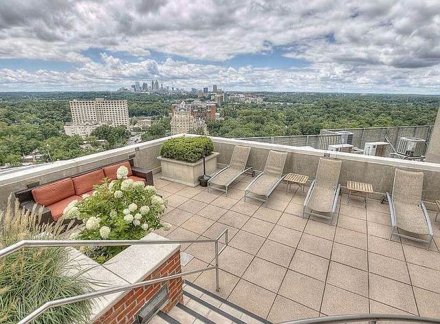 2626 Peachtree Road NW #1806, Atlanta, GA 30305 (MLS #6839730) :: The Cowan Connection Team