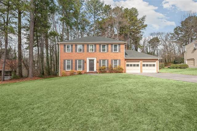 2391 Monterey Drive NE, Marietta, GA 30068 (MLS #6842876) :: The Realty Queen & Team