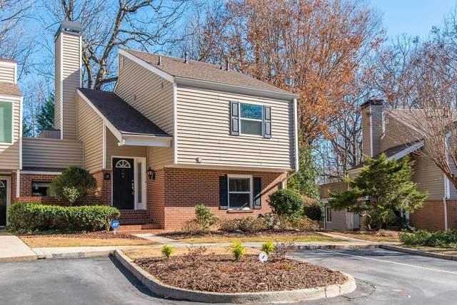 17 Dunwoody Springs Drive NE, Sandy Springs, GA 30328 (MLS #6844281) :: North Atlanta Home Team