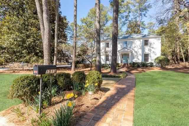 1513 Hanover West Drive NW, Atlanta, GA 30327 (MLS #6847524) :: The Butler/Swayne Team