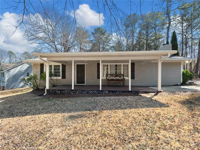 3253 Lee Drive, Buford, GA 30518 (MLS #6847885) :: The Hinsons - Mike Hinson & Harriet Hinson