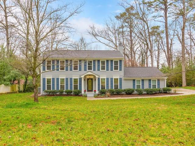 384 Lamplighter Lane SE, Marietta, GA 30067 (MLS #6848479) :: KELLY+CO