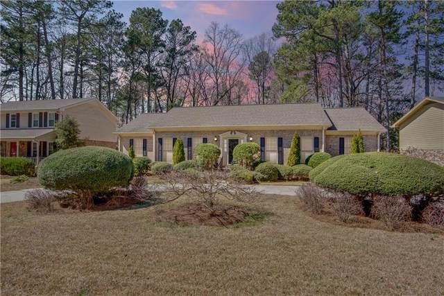 4135 Oak Crest Drive, Tucker, GA 30084 (MLS #6848741) :: North Atlanta Home Team