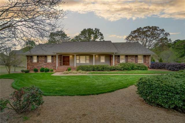 12370 Broadwell Road, Alpharetta, GA 30004 (MLS #6854743) :: North Atlanta Home Team