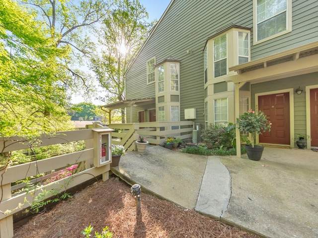 403 Riverview Drive SE, Marietta, GA 30067 (MLS #6864505) :: North Atlanta Home Team