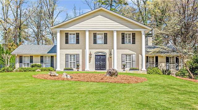 5684 Queensborough Drive, Dunwoody, GA 30338 (MLS #6865577) :: North Atlanta Home Team