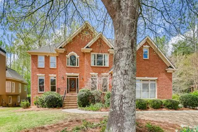 1085 Jennifer Oaks Drive, Alpharetta, GA 30004 (MLS #6867893) :: Path & Post Real Estate