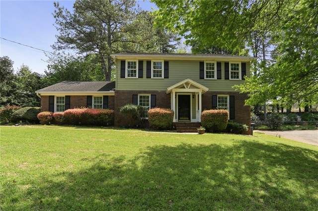 425 Stonebridge Drive, Roswell, GA 30075 (MLS #6867931) :: Scott Fine Homes at Keller Williams First Atlanta