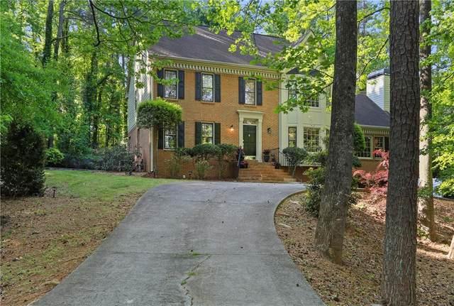 39 Connemara Road, Roswell, GA 30075 (MLS #6868721) :: North Atlanta Home Team