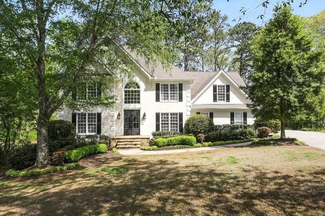 2035 Huntwick Lane, Roswell, GA 30075 (MLS #6868902) :: North Atlanta Home Team