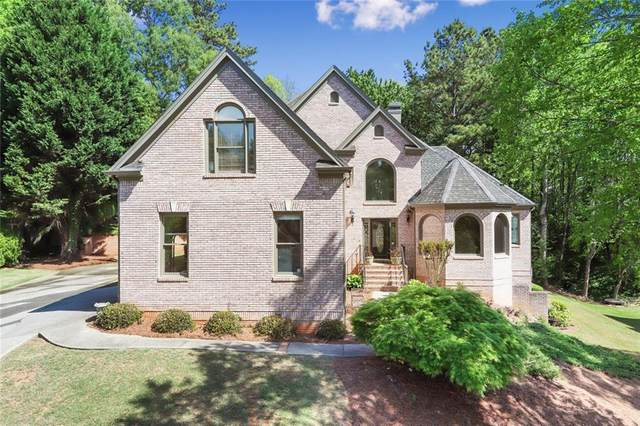595 Oak Bridge Trail, Alpharetta, GA 30022 (MLS #6869337) :: North Atlanta Home Team