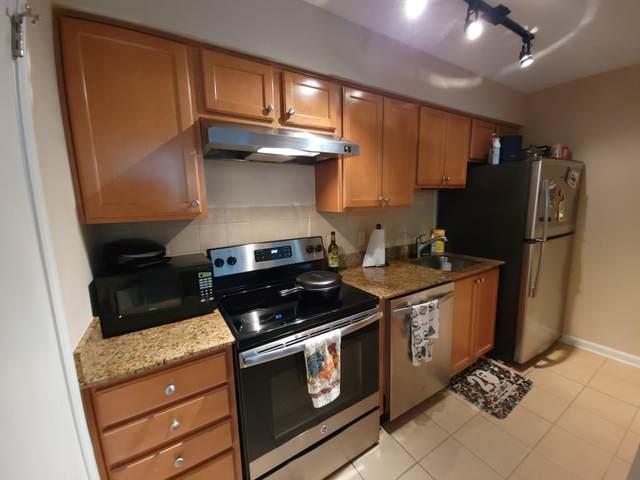 3005 Seven Pines Lane #102, Atlanta, GA 30339 (MLS #6872878) :: AlpharettaZen Expert Home Advisors