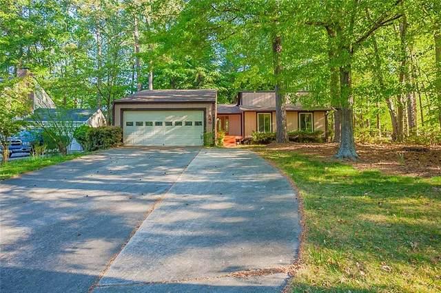 140 Hillside Lane, Roswell, GA 30076 (MLS #6873998) :: North Atlanta Home Team