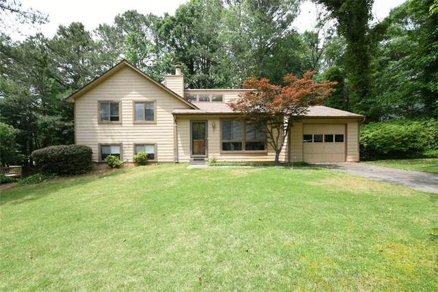110 Roswell Farms Court, Roswell, GA 30075 (MLS #6877609) :: North Atlanta Home Team