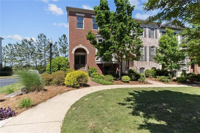 153 W Ridge Way, Roswell, GA 30076 (MLS #6879522) :: North Atlanta Home Team