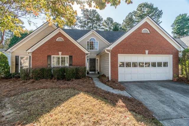 562 Antler Lane, Suwanee, GA 30024 (MLS #6879766) :: North Atlanta Home Team
