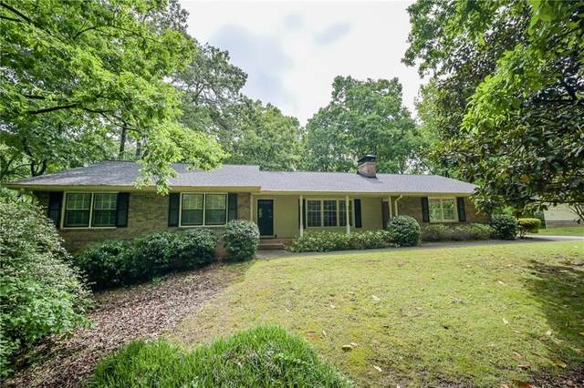 915 Hunterhill Drive, Roswell, GA 30075 (MLS #6881422) :: North Atlanta Home Team