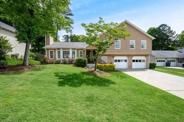 5049 Shelley Lane, Sugar Hill, GA 30518 (MLS #6882250) :: North Atlanta Home Team