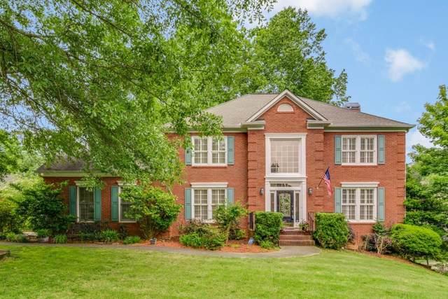 6135 Poplar Spring Drive, Peachtree Corners, GA 30092 (MLS #6882540) :: North Atlanta Home Team