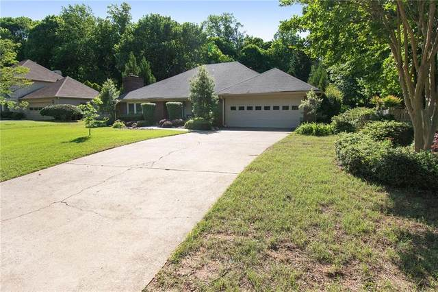 8031 Henderson Court, Alpharetta, GA 30004 (MLS #6883063) :: North Atlanta Home Team