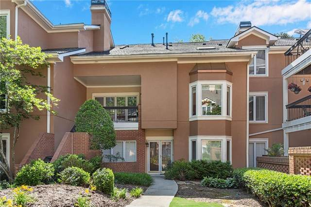 5256 Brooke Ridge Drive, Dunwoody, GA 30338 (MLS #6886030) :: North Atlanta Home Team
