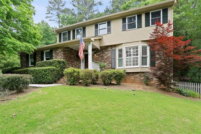 1450 Woodcrest Drive, Roswell, GA 30075 (MLS #6892969) :: Path & Post Real Estate