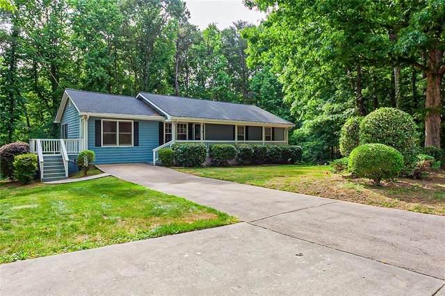 2010 Carriage Way, Lawrenceville, GA 30043 (MLS #6895538) :: North Atlanta Home Team