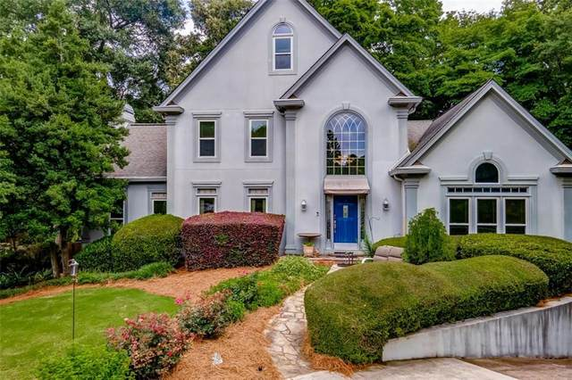 6800 Chapel Glen Court, Peachtree Corners, GA 30360 (MLS #6895973) :: North Atlanta Home Team