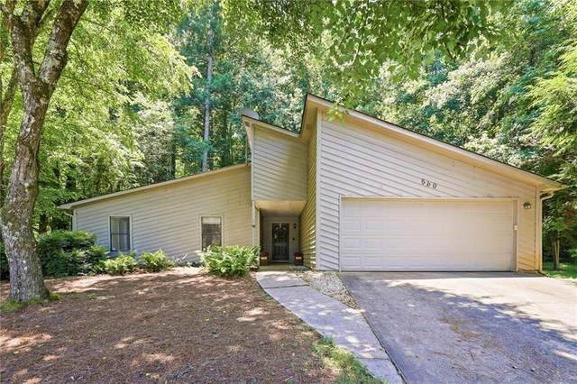 560 S Kimberly Court, Roswell, GA 30076 (MLS #6896877) :: The Gurley Team