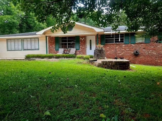 6196 S Pebble Drive, Douglasville, GA 30135 (MLS #6897954) :: The Heyl Group at Keller Williams
