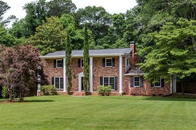 500 La View Court, Roswell, GA 30075 (MLS #6898904) :: Path & Post Real Estate
