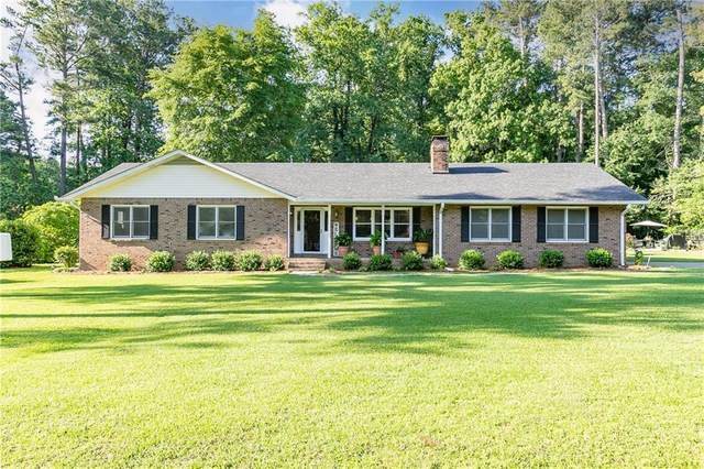 420 Circle Drive, Fayetteville, GA 30214 (MLS #6899453) :: North Atlanta Home Team