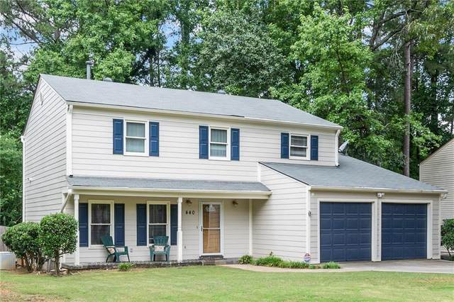 440 Barrington Drive W, Roswell, GA 30076 (MLS #6899484) :: North Atlanta Home Team