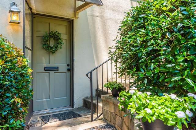 8 Chaumont Square NW, Atlanta, GA 30327 (MLS #6899871) :: The Realty Queen & Team