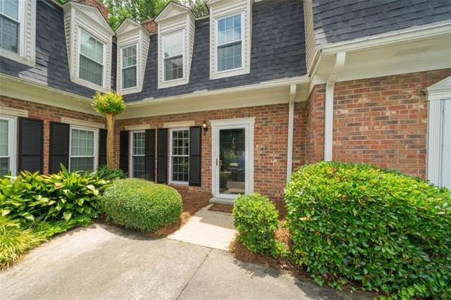 10 Queen Anne Place NW, Atlanta, GA 30318 (MLS #6900132) :: Path & Post Real Estate