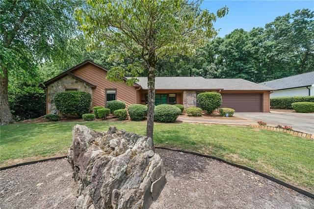 2067 Old Forge Way, Marietta, GA 30068 (MLS #6909579) :: Charlie Ballard Real Estate